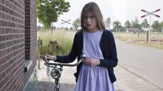 Hannah Hoekstra (Tiny)