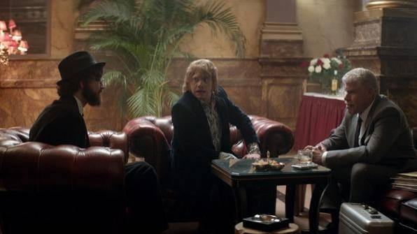 Robert Sheehan (Leon), Rupert Grint (Jonny) en Ron Perlman (Kidman)