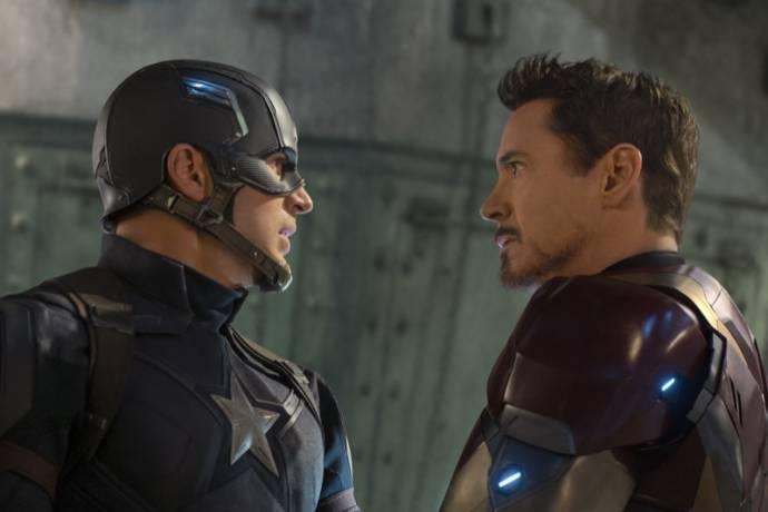 Chris Evans (Steve Rogers / Captain America) en Robert Downey Jr. (Tony Stark / Iron Man) in Captain America + Avengers Marathon
