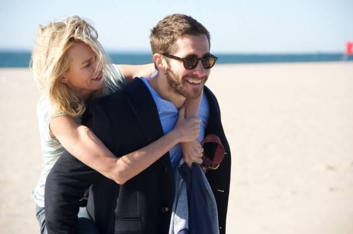 Naomi Watts (Karen Moreno) en Jake Gyllenhaal (Davis Mitchell)