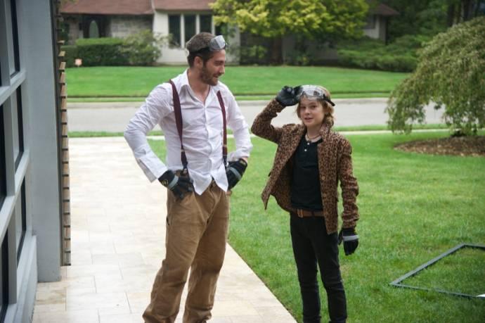 Jake Gyllenhaal (Davis Mitchell) en Judah Lewis (Chris Moreno)