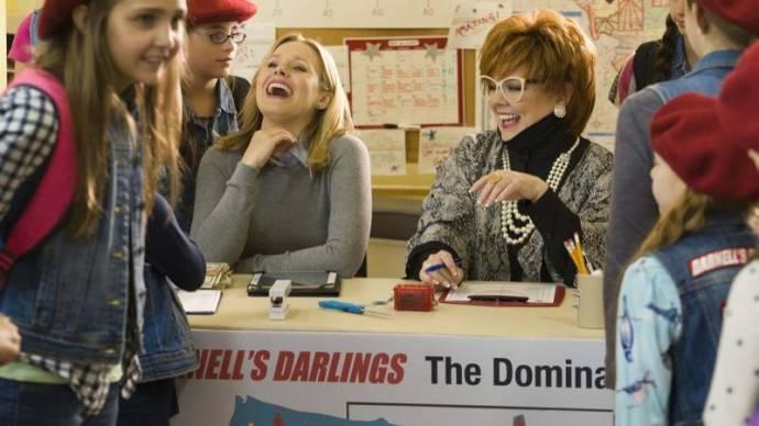 Kristen Bell en Melissa McCarthy (Michelle Darnell)