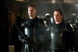 Christian Bale (Bruce Wayne/Batman) en Liam Neeson (Henri Ducard)