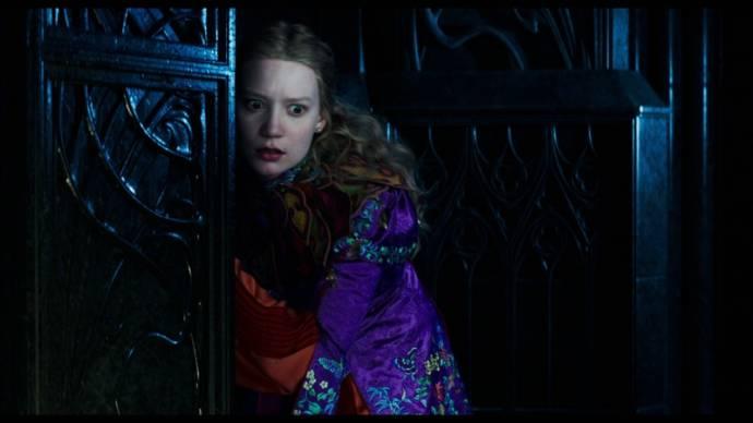 Mia Wasikowska (Alice Kingsleigh)