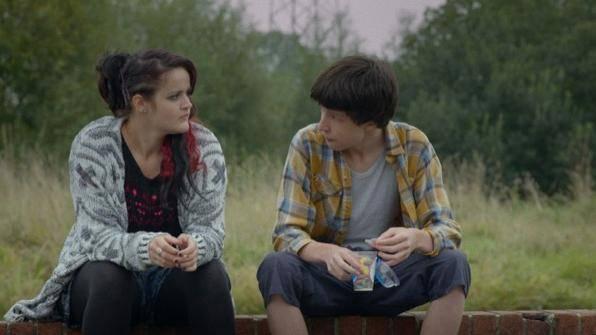 Zamira Fuller (Rose) en James Stuckey (Ewan)