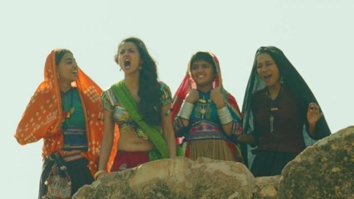 Radhika Apte (Lajjo), Tanishta Chatterjee (Rani (rumored)), Surveen Chawla (Bijli) en Sayani Gupta (Champa)