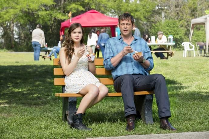 Hailee Steinfeld (Cate Barrow) en Vince Vaughn (Nick Barrow)