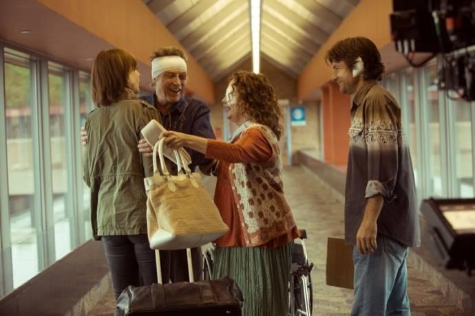 Nicole Kidman (Annie Fang), Christopher Walken (Caleb Fang), Genevieve Adams (Florida Cashier) en Jason Bateman (Baxter Fang)