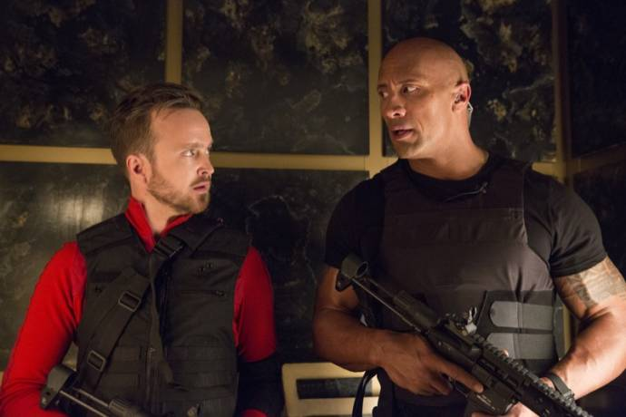 Aaron Paul en Dwayne Johnson (Bob)