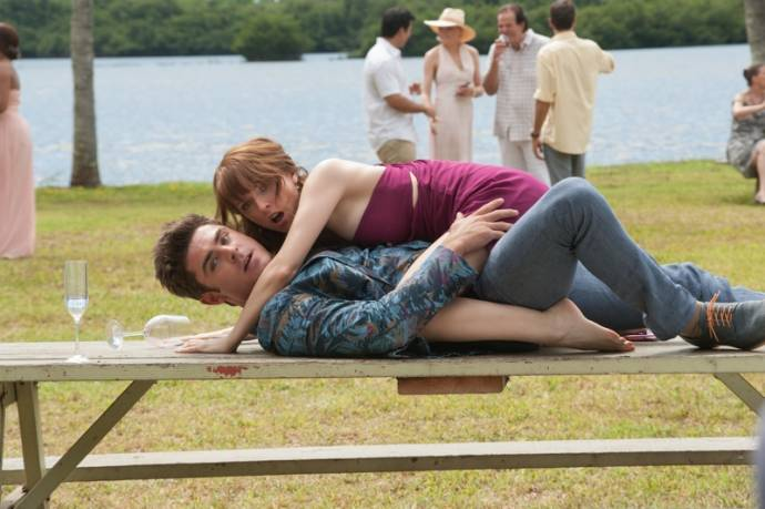 Zac Efron (Dave Stangle) en Anna Kendrick (Alice) in Mike and Dave Need Wedding Dates