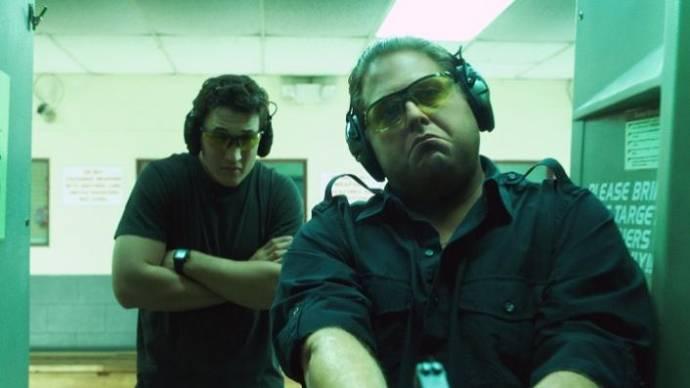 Miles Teller (David Packouz) en Jonah Hill (Efraim Diveroli) in War Dogs
