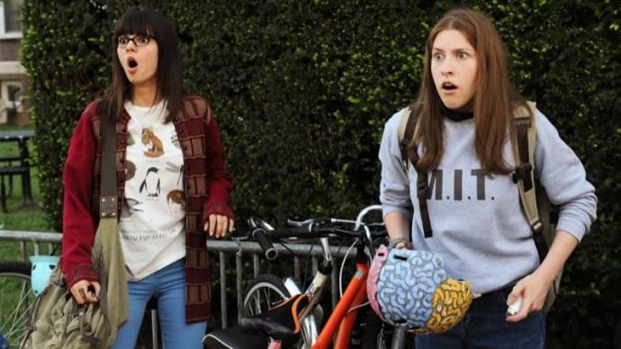 Victoria Justice (Jodi) en Eden Sher (Mindy)