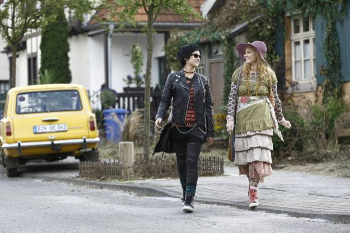 Laura Antonia Roge (Dakaria Tepes (as Laura Roge)) en Marta Martin (Silvania Tepes)