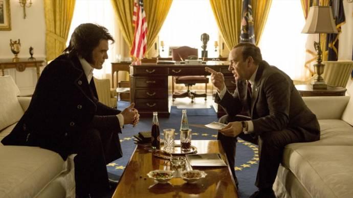 Michael Shannon (Elvis Presley) en Kevin Spacey (Richard Nixon)