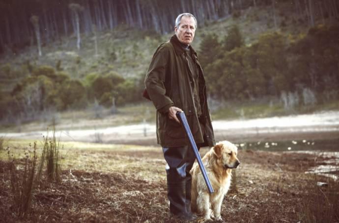 Geoffrey Rush (Henry)