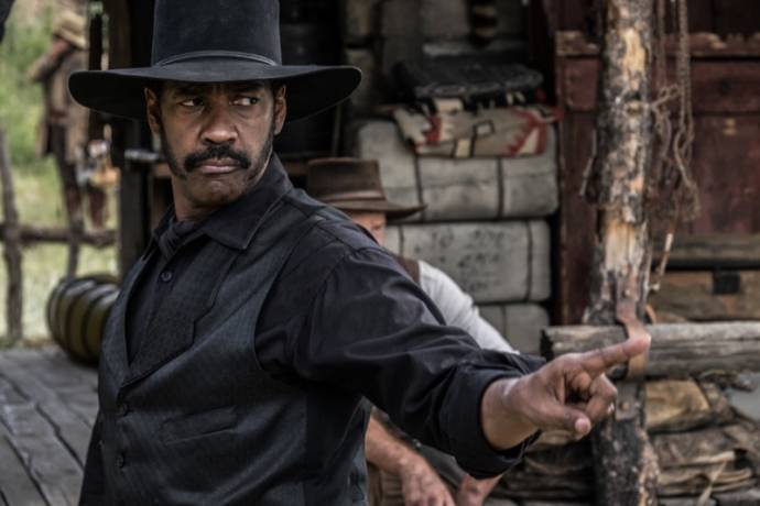 Denzel Washington (Sam Chisolm) in The Magnificent Seven