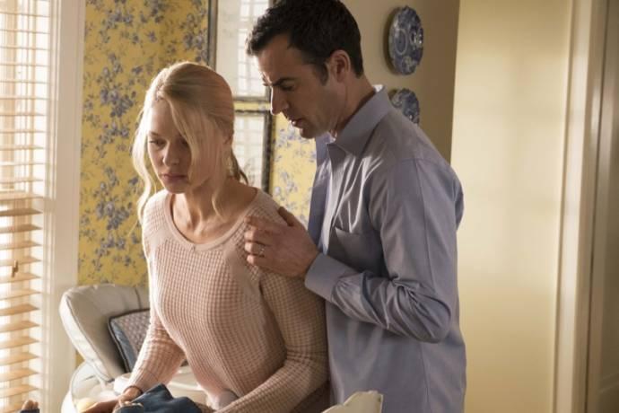 Haley Bennett (Megan) en Luke Evans (Scott)