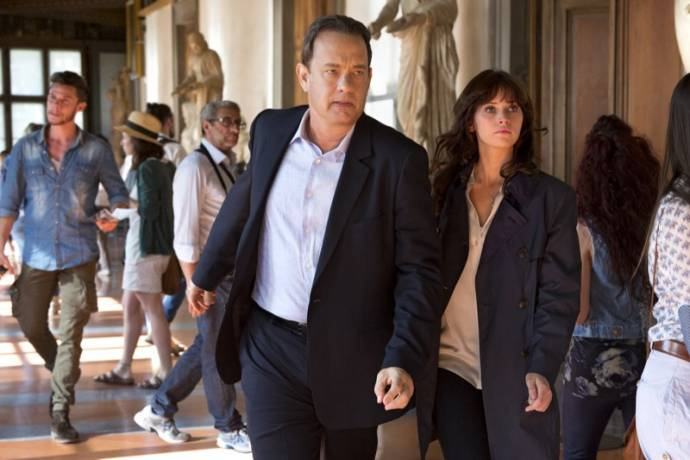 Tom Hanks (Robert Langdon) en Felicity Jones (Dr. Sienna Brooks)