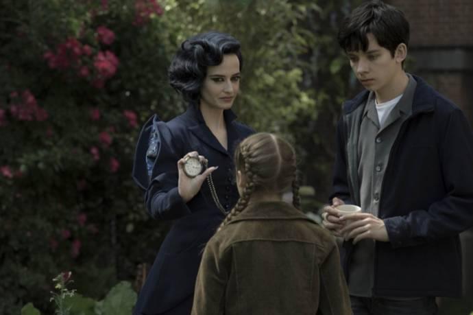 Eva Green (Miss Peregrine) en Asa Butterfield (Jacob Portman)