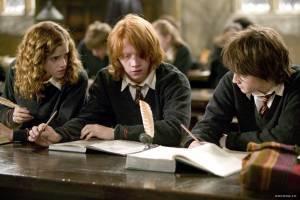 Rupert Grint (Ron Weasley), Daniel Radcliffe (Harry Potter) en Emma Watson (Hermione Granger)