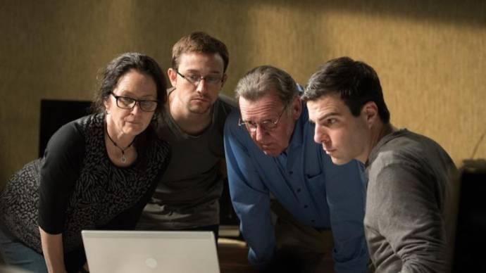 Melissa Leo (Laura Poitras), Joseph Gordon-Levitt (Edward Snowden) en Zachary Quinto (Glenn Greenwald)