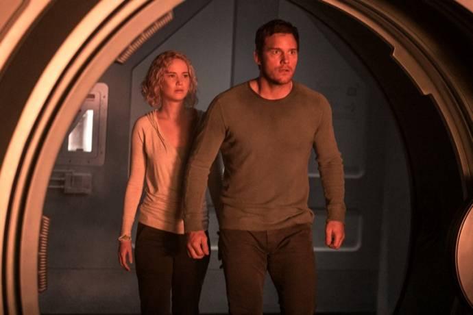 Jennifer Lawrence (Aurora) en Chris Pratt (Jim Preston)