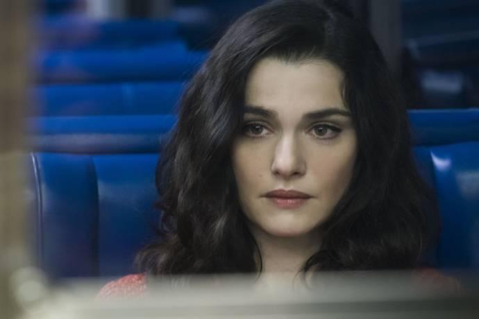 Rachel Weisz (Alice Manning)