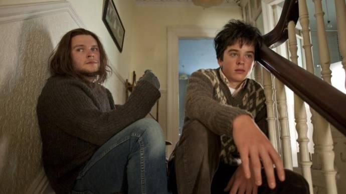 Jack Reynor (Brendan) en Ferdia Walsh-Peelo (Conor)