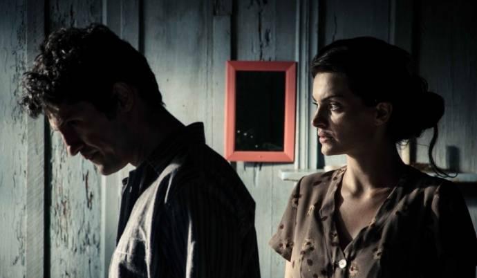 Fernando Alves Pinto (Fernando) en Michelle Pucci (Ana)