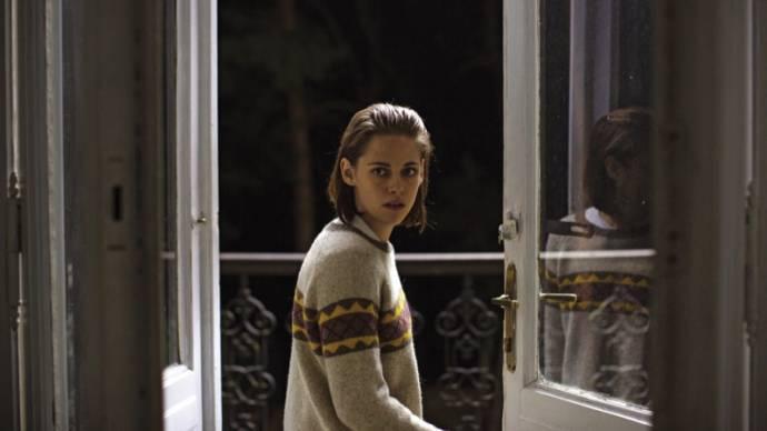 Kristen Stewart (Maureen)