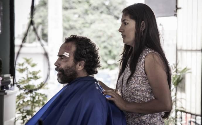 Damián Alcázar (Harvey Magallanes) en Magaly Solier (Celina)