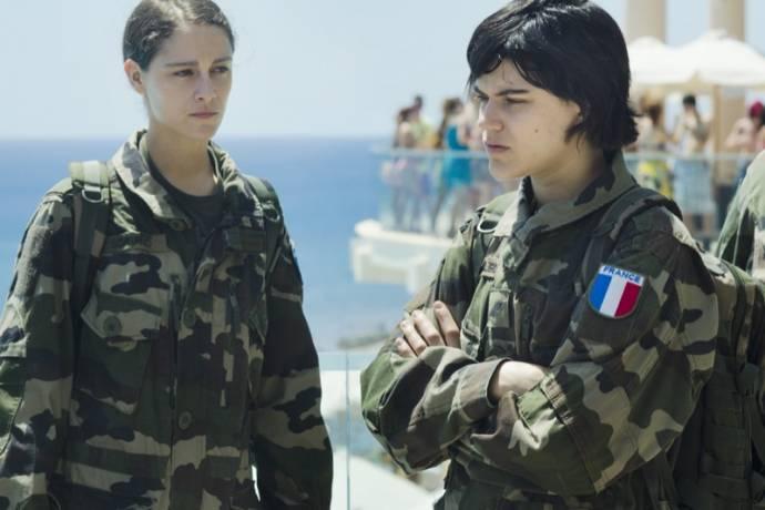 Soko (Marine) en Ariane Labed (Aurore) in Voir du pays