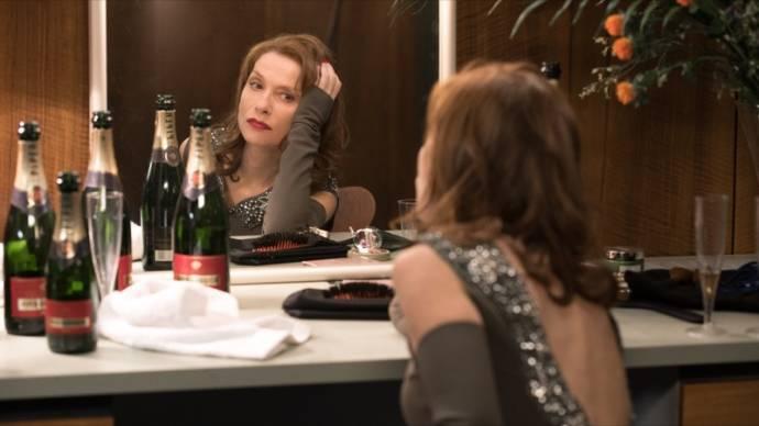 Isabelle Huppert (Liliane Cheverny, dite Laura)