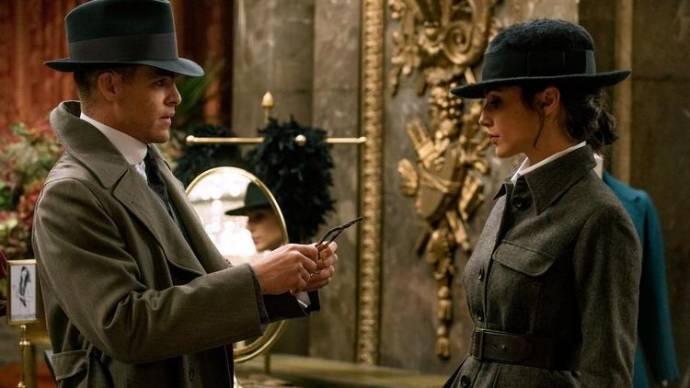 Chris Pine (Steve Trevor) en Gal Gadot (Diana Prince / Wonder Woman)