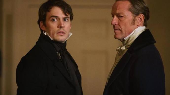 Sam Claflin (Philip) en Iain Glen