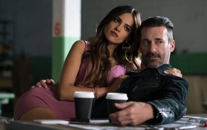 Eiza González (Darling) en Jon Hamm (Buddy)