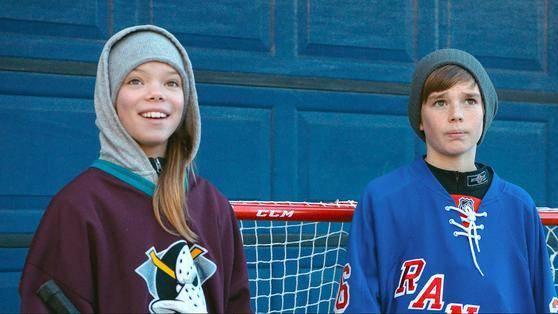 Hannah Dybvand (Line) en Simon Hobbel Rosendahl (Gilbert)