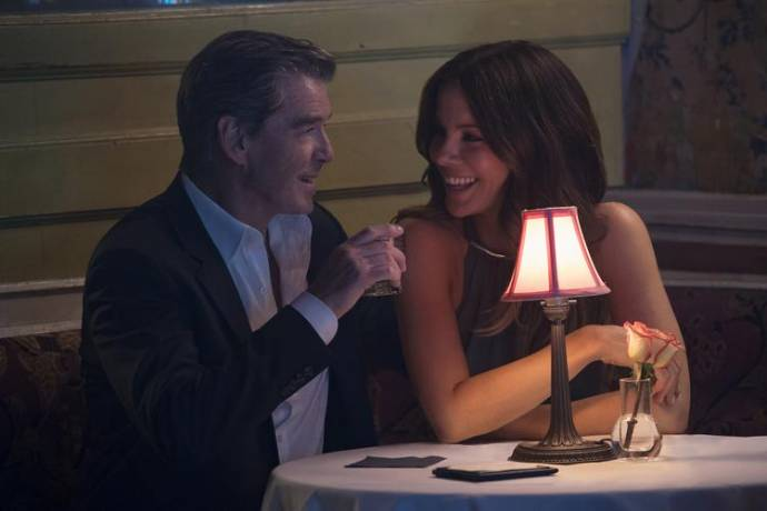 Pierce Brosnan en Kate Beckinsale (Johanna)