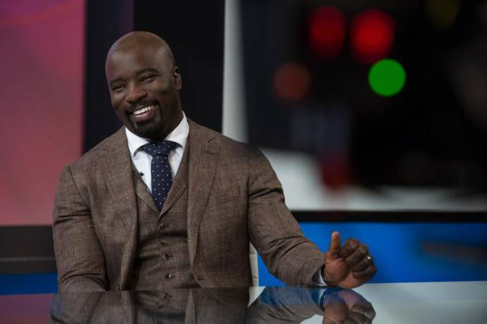 Mike Colter (Stewart Pierce)