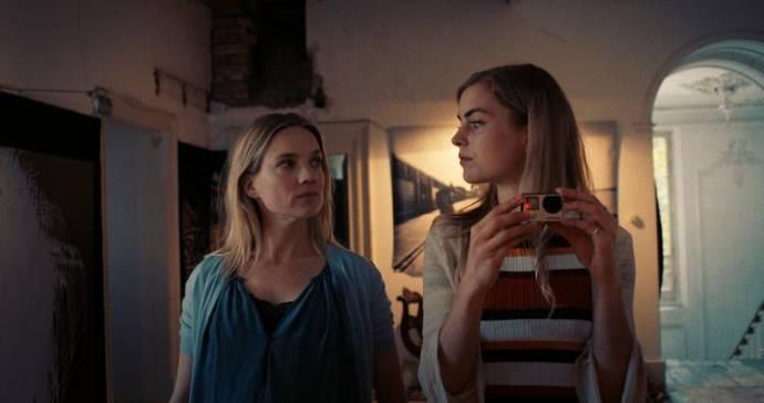 Anniek Pheifer (Sallie) en Hannah Hoekstra (Delphina)