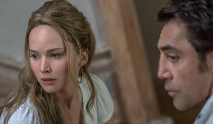 Jennifer Lawrence (Mother) en Javier Bardem (HIM)