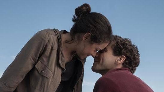 Tatiana Maslany (Erin Hurley) en Jake Gyllenhaal (Jeff Bauman)