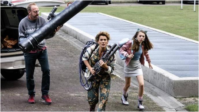 Harry Piekema (Fritz Slim), Tatum Dagelet (Julia Slim) en Sara Dol (Vera Slim)