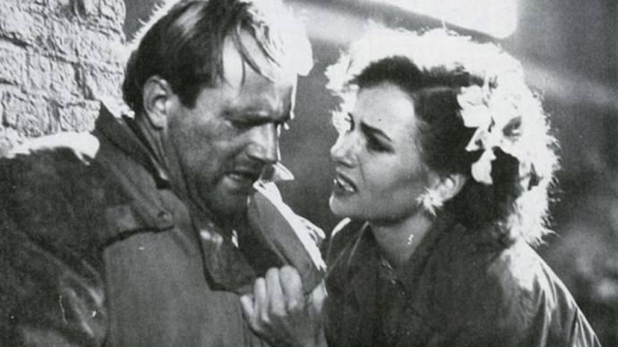 Peter Tuinman (Loe Wolff) en Monique van de Ven (Anna)