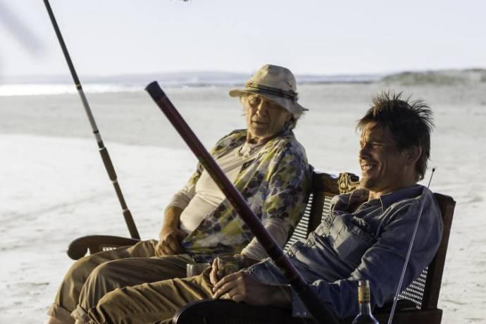 Rutger Hauer (Frank) en Ethan Hawke (Travis Conrad)