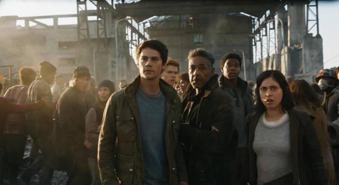 Dylan O'Brien (Thomas), Giancarlo Esposito (Jorge) en Rosa Salazar (Brenda)