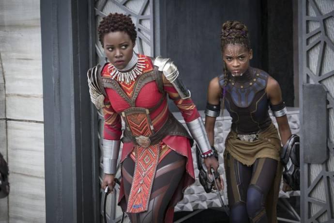 Lupita Nyong'o (Nakia) en Letitia Wright (Shuri)