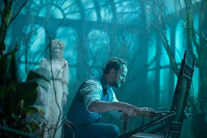Jason Clarke (Eric Price)