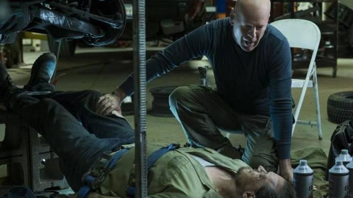 Bruce Willis (Paul Kersey) en Vincent D'Onofrio (Frank Kersey)