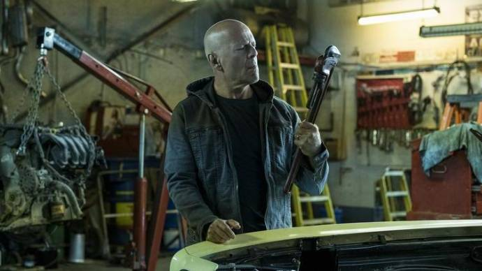 Bruce Willis (Paul Kersey)